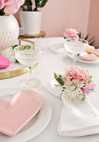 Цветочный декор стола