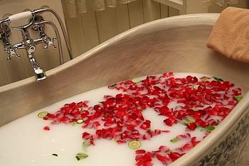 Цветы в ванне