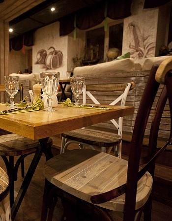 Мебель в ресторане Рассольников