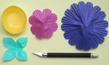 Разноцветные цветы из бумаги