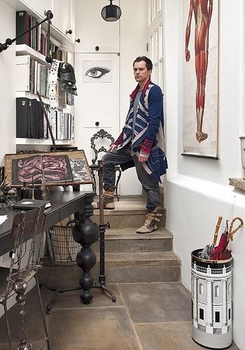 Rory Dobner в своем доме