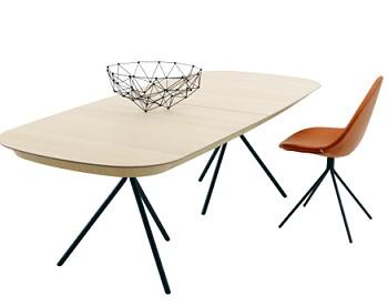 Обеденный стол Карим Рашид