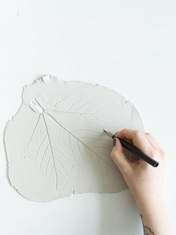 Вырезаем лист из глины