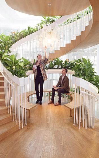 Зона отдыха на лестнице