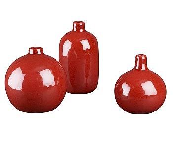 Красные вазы