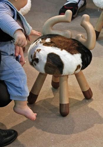 Стул коровка