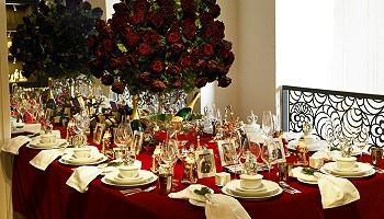 Цветы на новогоднем столе