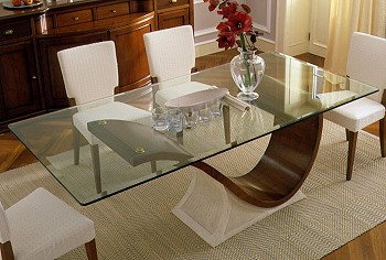 Прозрачный стол