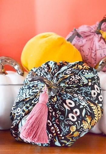 Готовая текстильная тыква
