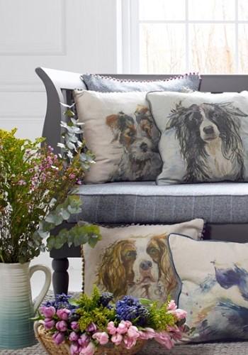 Подушки с изображением собак