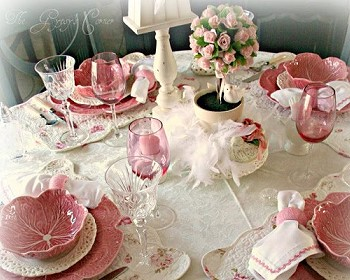 Сервировка розовый цвет