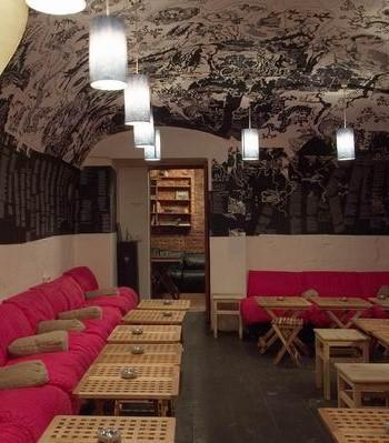 Цветовая гамма мебели для кафе