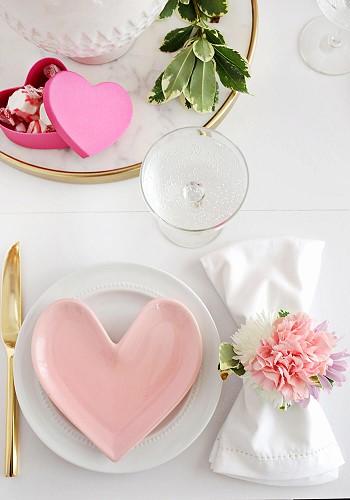 Романтичный декор стола