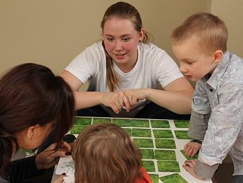 Игры с детьми в ИКЕА
