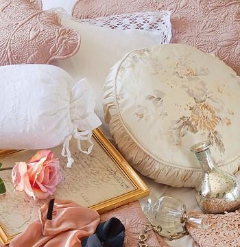 Декор спальни по-французски