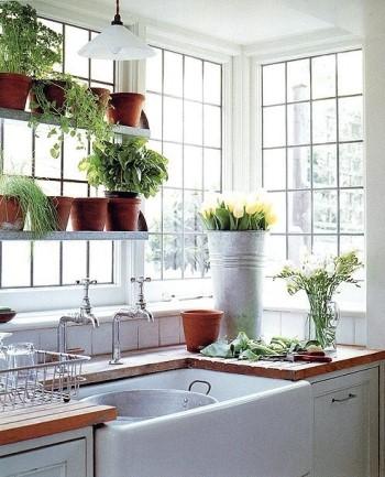 Цветочный декор кухни