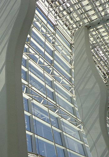 Прозрачная крыша Domiion Tower