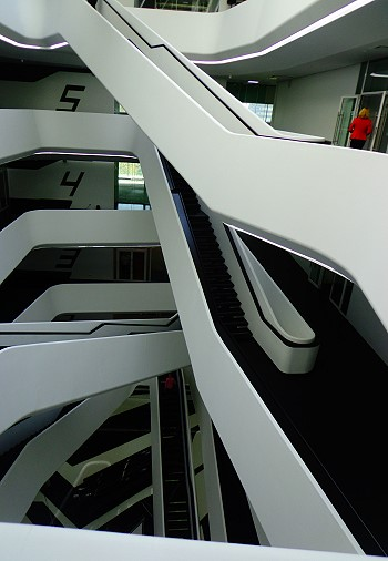 Лестницы Dominion Tower