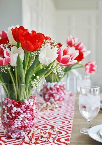 Цветочный декор праздничного стола