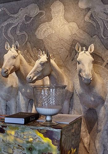 Композиция Посейдон на пятерке лошадей