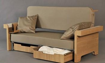 Раскладной диван со столом от дизайнера Fanny Adam