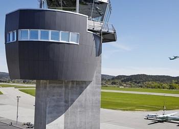 Фасадные панели диспетчерской вышки в аэропорту Кристиансенд, город Кйевик (Норвегия)