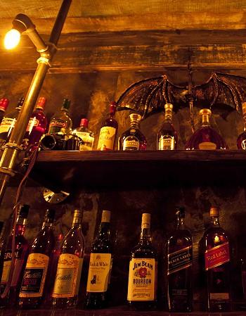 Напитки в зале караоке