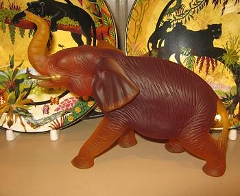 Фарфоровый слон