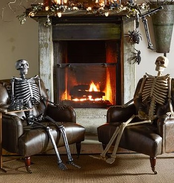 Скелеты у камина