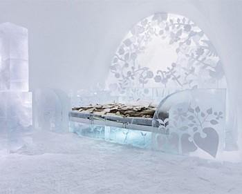 Ледяная мебель