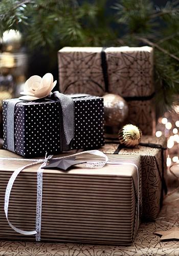Новогодние подарки в упаковке от ИКЕА