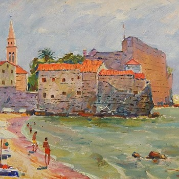 Пляж у стен старого города