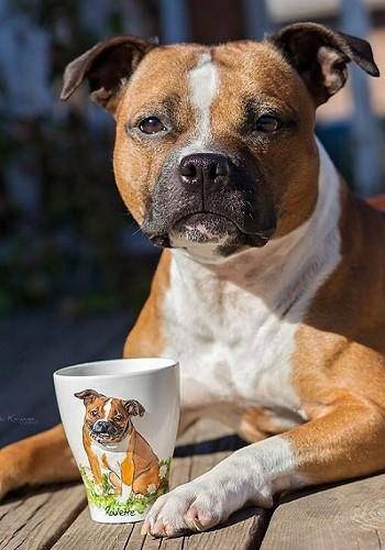 Кружка с фигуркой собаки