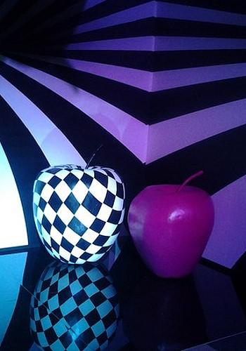 Огромные яблоки в зоне фотосессий