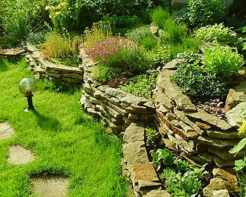 Пример ландшафтного дизайна загородного дома