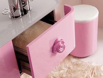 Столик в ванную