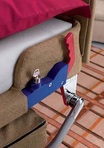 Крепеж дивана