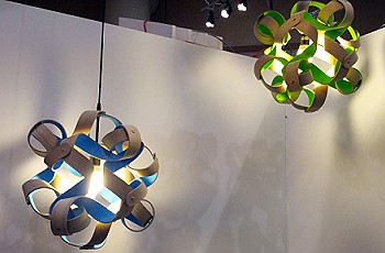 Синий и зеленый потолочный светильник
