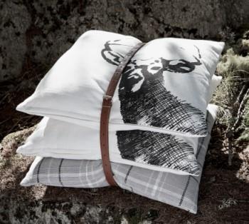 Подушки с оленем