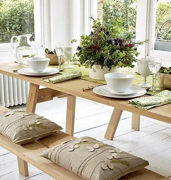 Столик для загородного дома