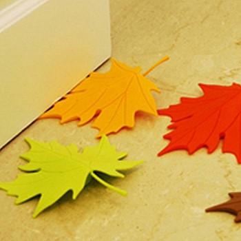 Стоппер для двери в виде кленовых листьев