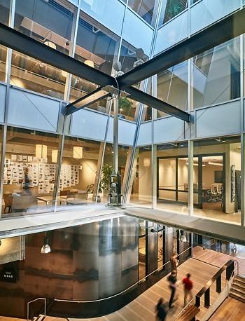 Современный дизайн офиса компании