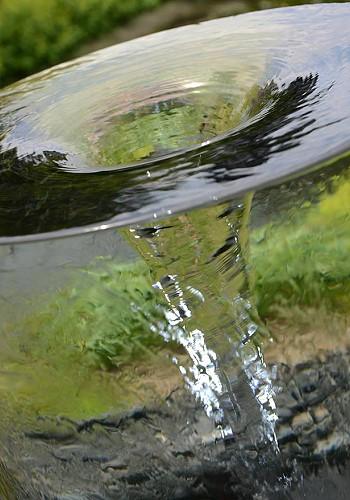 Вихревой фонтан на даче