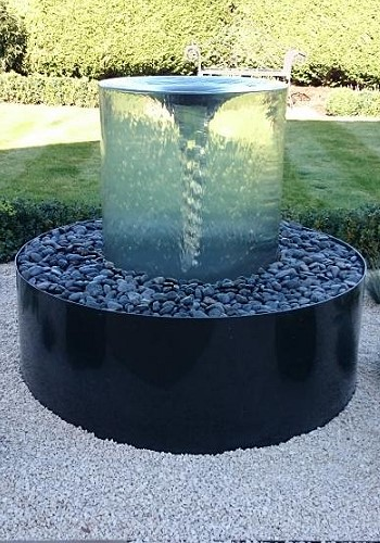 Вихревой фонтан как часть ландшафтного дизайна