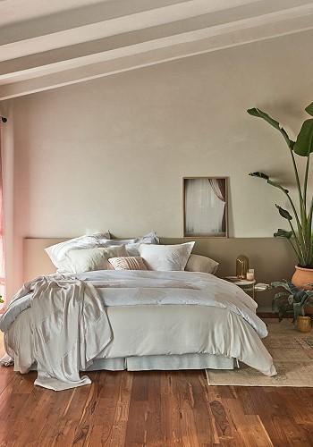 Пастельные тона в интерьере спальни