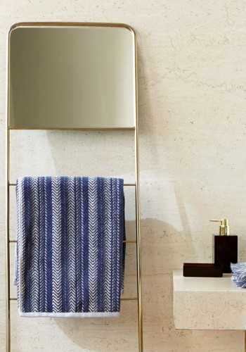 Вешалка и полотенце Zara Home