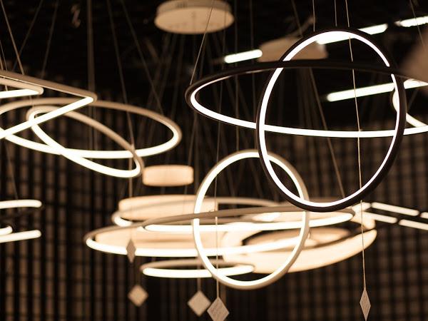 Стильный, качественный, комфортный и инновационный свет с люстрами от LALED